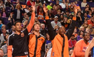 Suns-players-cheering