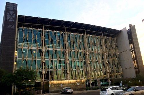 burton-barr-library-exterior